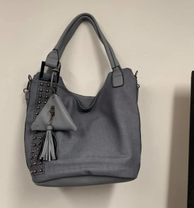 Gray tote with change